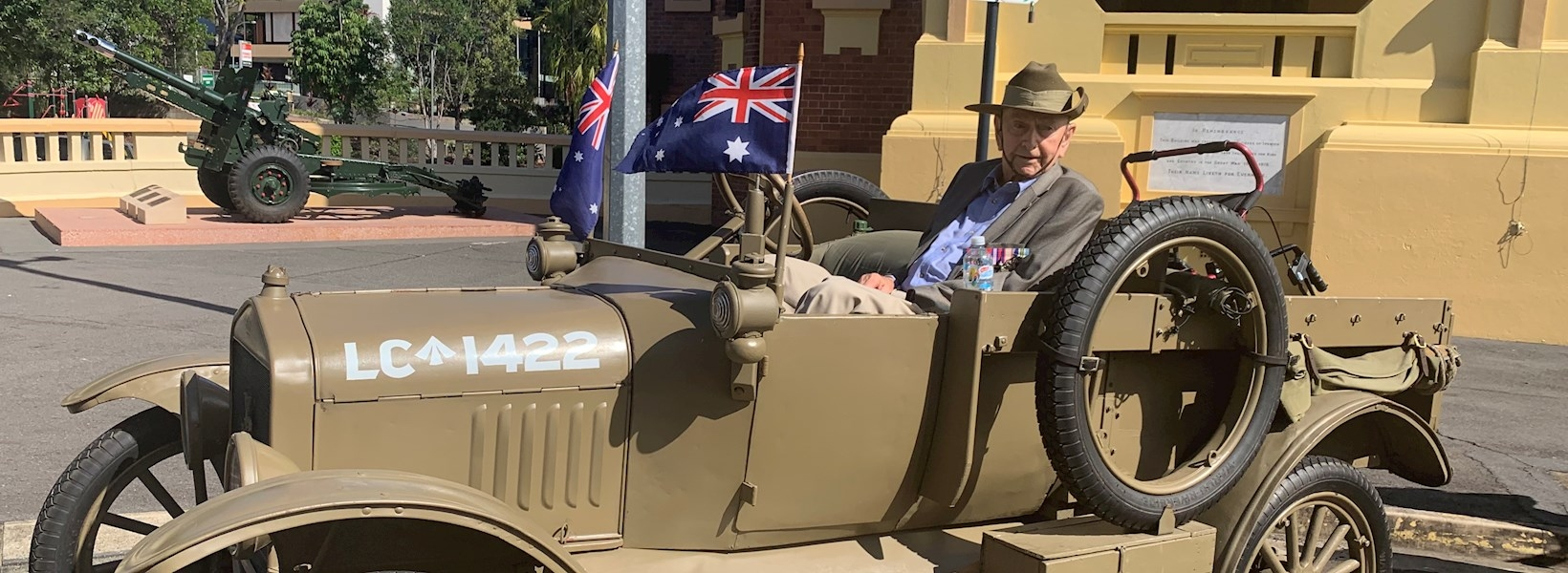 Ralph Edwards ANZAC parade Model T Ford 2019 (2).jpeg